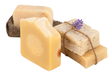 Conjunto de spa de jabón de miel casero natural. Aislado en blanco