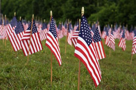 アメリカの旗がたくさん。アメリカの記念日、独立記念日のお祝い