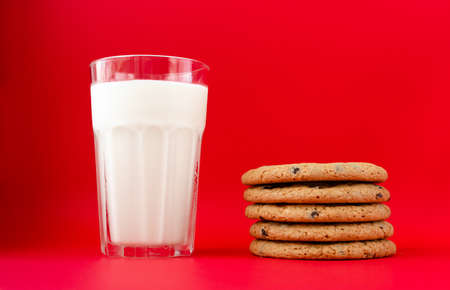 glass of milk and cookies, Christmas and New Year. Imagens