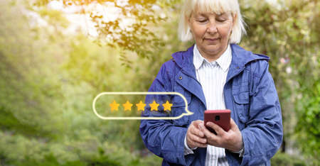 Star rating concept. Customer reviews. People leave feedback and comments. Archivio Fotografico