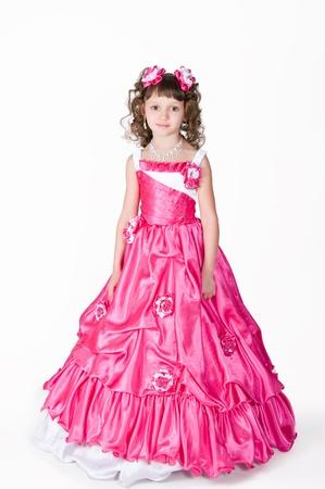 La imagen de la chica con un hermoso vestido