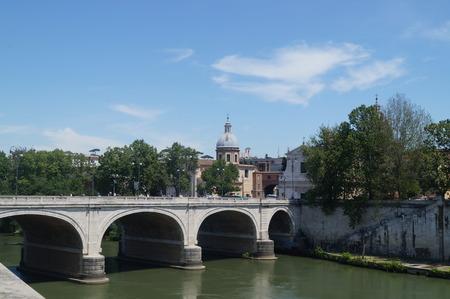 tiber: Bridge river Tiber.