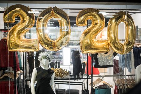 2020 gold numbers, shopping in the metropolis.
