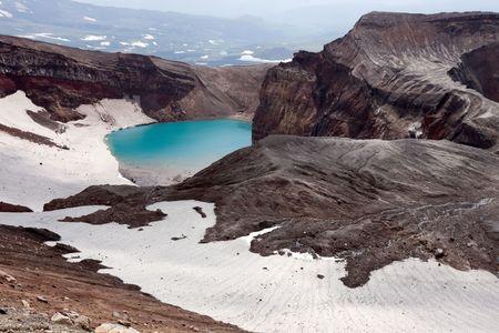 kamchatka: nel cratere del vulcano Goreliy su Kamchatka