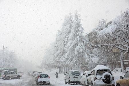geschniegelt: Schneesturm, schlechte Sichtverh�ltnisse, glatte Strassen und viel Verkehr
