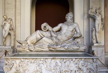 statue grecque: l'antiquit� sculpture classique marbre grec au Vatican Banque d'images