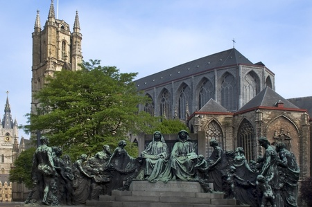 statue of the van eyck brothers
