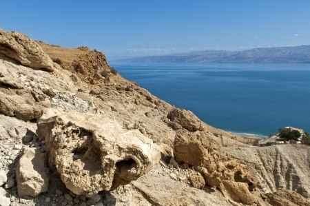 view of the Dead Sea from the heights of the mountains of the Jewish Stock Photo - 13801860