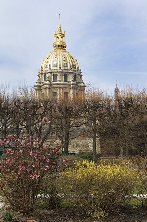 view of Les Invalides in Paris Stock Photo - 14332598