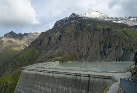 valais: The Grande Dixence Dam is a concrete gravity dam on the Dixence River  in the canton of Valais in Switzerland Stock Photo