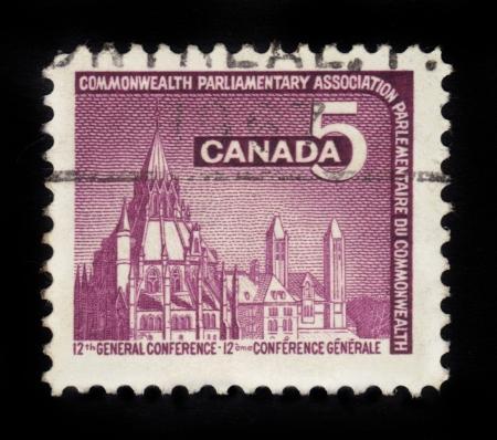 parlamentario: CANADA - CIRCA 1966 sello impreso por Canad�, muestra Biblioteca del Parlamento, Ottawa, dedicada a la 12 � Conferencia General de la Asociaci�n Parlamentaria del Commonwealth, alrededor del a�o 1966