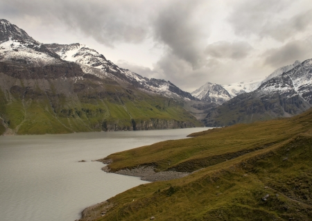 picturesque lake in the Swiss Alps, before the rain Stock Photo - 17206828
