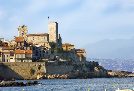 d���azur: City of Antibes on the Cote d Azur, south of France