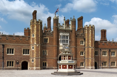 patio of the source, Hampton Court Palace is a royal palace in the London Borough of Richmond upon Thames, Greater London, UK