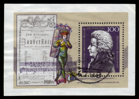 amadeus mozart: Alemania - alrededor de 1991 un sello impreso en la Alemania muestra Wolfgang Amadeus Mozart, compositor, alrededor de 1991