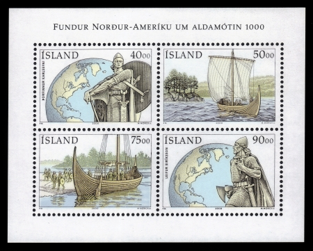 leif: ICELAND - CIRCA 2000  set of 4 stamps printed in Island show viking fighting ships, millenary of discovery of americas by Leif Eiriksson, circa 2000  Stock Photo