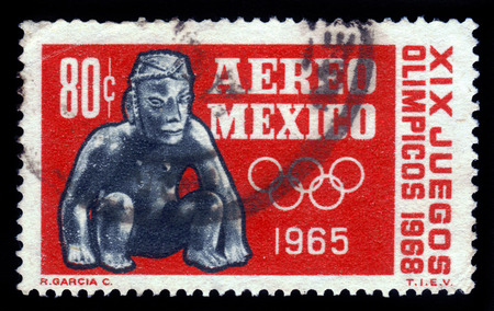 ancient olympic games: Mexico - CIRCA 1965  a stamp printed by Mexico shows a clay toy of the ancient aztecs  devoted to Olympic Games in Mexico in 1968, circa 1965 Editorial
