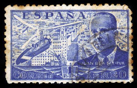 ingeniero civil: ESPA�A - CIRCA 1939 Un sello impreso por Espa�a, muestra Juan de la Cierva y Autogiro, fue un ingeniero civil espa�ol, piloto e ingeniero aeron�utico, alrededor de 1939