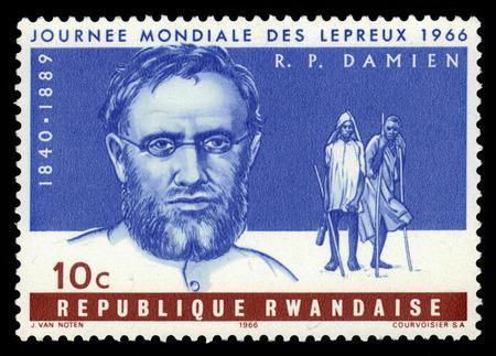 l�pre: RWANDA - CIRCA 1966, un timbre imprim� par le Rwanda, montre le P�re Joseph Damien, il est mort de la l�pre, b�atifi�e par le pape Jean-Paul II en 1995, la s�rie Journ�e Mondiale des L�preux, circa 1966 �ditoriale