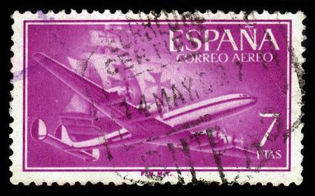 caravelle: ESPAGNE - CIRCA 1956: Un timbre imprim� en Espagne montre avions am�ricain Lockheed L-1049 Super Constellation et Caravel Santa Maria, vers 1956 �ditoriale