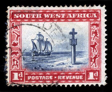 caravelle: Sud-Ouest africain CIRCA 1931: timbre, imprimé, dans le Sud-Ouest africain maintenant la Namibie montre un navire Cape Cross et la voile vers 1931