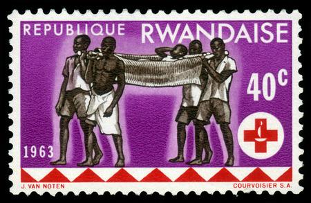 cruz roja: Ruanda - CIRCA 1963: sello impreso por Ruanda, muestra de la salud, la serie 100 aniversario de la cruz roja, alrededor de 1963