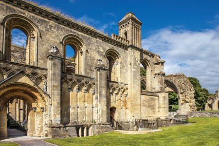 somerset: ruins of Glastonbury Abbey, was a monastery in Glastonbury, Somerset, England Stock Photo