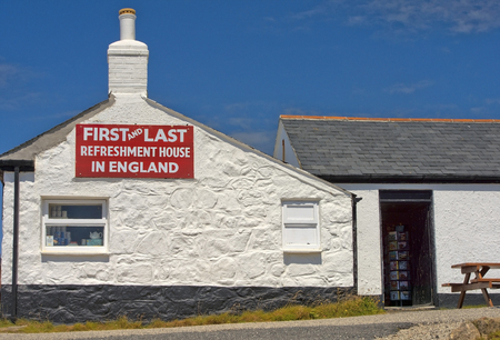 refreshment: First and Last refreshment house, Cornwall, England