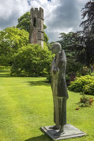 wells: pilgrim statue, Bishops Palace Wells, City Somerset, England