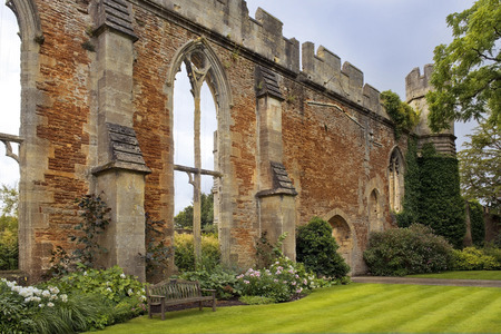 great hall: picturesque ruins Great Hall by the Bishops Palace, Somerset, England Stock Photo