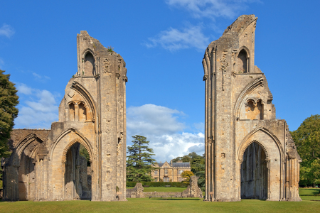 ruins of Glastonbury Abbey, was a monastery in Glastonbury, Somerset, England Standard-Bild