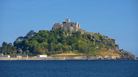 mounts: St Michaels Mount with castle and chapel, small tidal island in Mounts Bay, Cornwall, United Kingdom
