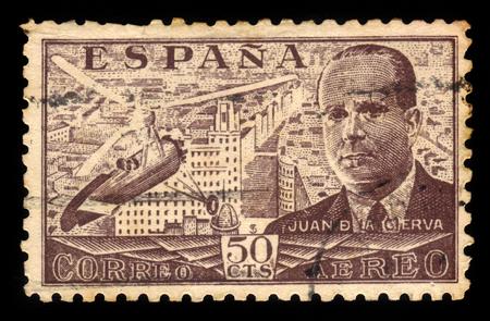 ingeniero civil: ESPA�A - CIRCA 1939: Un sello impreso por Espa�a, muestra Juan de la Cierva y Autogiro, era un ingeniero civil espa�ola, piloto e ingeniero aeron�utico, marr�n, alrededor de 1939