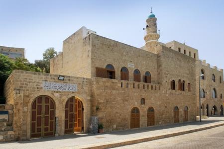 jaffo: TEL AVIV, ISRAEL - August 24, 2016: Al Bahr Mosque in the Old City of Jaffa on august 24, 2016 Tel Aviv, Israel