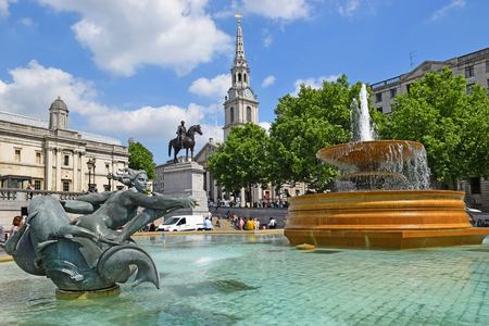 the british museum: LONDON, ENGLAND - May 25,2017: fountain at Trafalgar Square, City of Westminster, Central London, UK