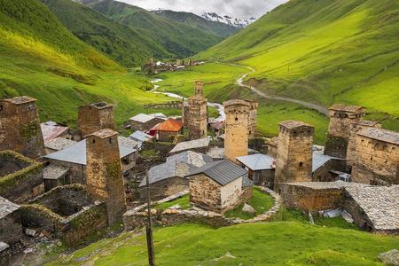 ウシュグリ - ヨーロッパで最も高い居住された村、上スヴァネティ、ジョージア州のエングリ ・渓谷 - ユネスコ世界遺産