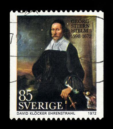 ZWEDEN - CIRCA 1972: stempel gedrukt in Zweden, toont schilderij van David Klöcker Ehrenstrahl, portret van Georg Stiernhielm, Zweedse ambtenaar, taalkundige en dichter, serie, circa 1972 Redactioneel