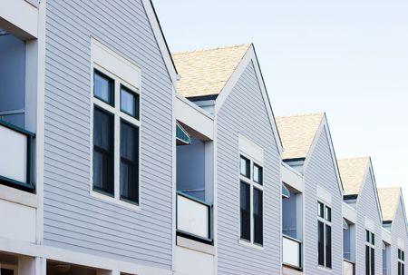 rij huizen: Een rij van nieuwbouw woningen Stockfoto