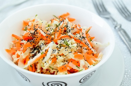 dill seed: pe-tsai cabbage salad with carrot, dill, olive oil and poppy seed