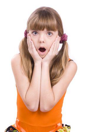 femme bouche ouverte: Petite fille dans la couleur orange et surpris de la recherche.
