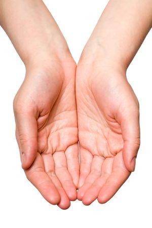 Le mani aperte di una giovane donna