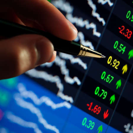 'hart on computer monitor, market's climbing, hand and pen pointer Stock Photo - 6020023
