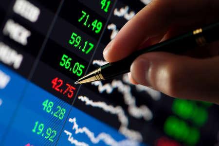 hart: �hart on computer monitor, markets climbing, hand and pen pointer