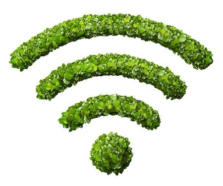 Wi-Fi-Symbol aus dem grünen Gras. Isoliert auf weiß