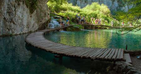 Drewniane ścieżki w Parku Narodowym w Plitvice w Chorwacji