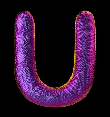 Lettre U en texture de peau de serpent violet naturel isolé sur fond noir. Rendu 3D