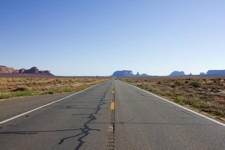 アメリカのモニュメント バレーに風光明媚な道路