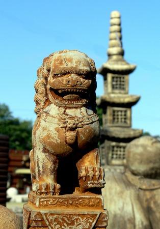 Chinese Statue Фото со стока