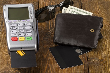 billfold: Payment wireless terminal and wallet with banknotes
