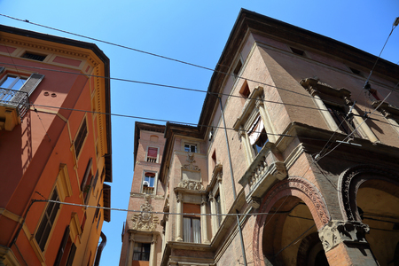 BOLOGNA, ITALY - JULY 19, 2018: The building and architectural details on the city street 新聞圖片